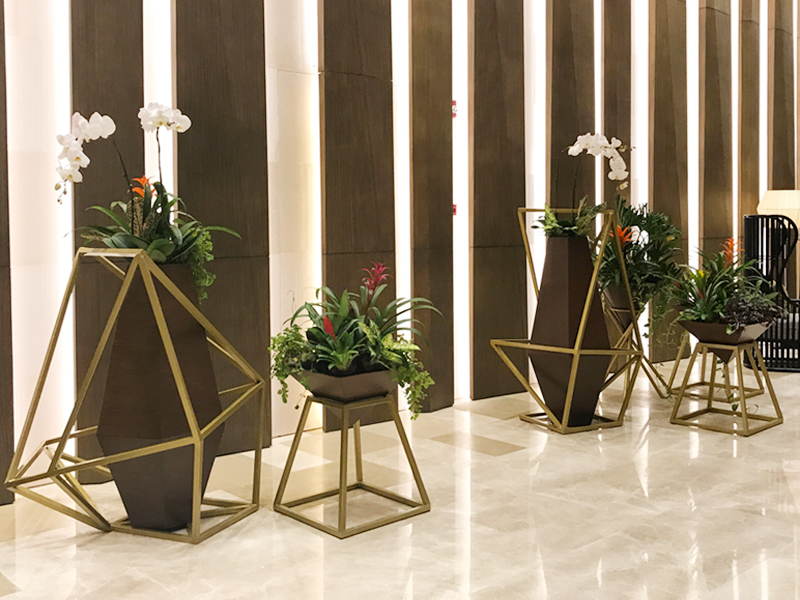 DESIGNER PLANTERS BY CUBESYSTEM - Our Products